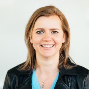 Speaker - Stefanie Kneisz